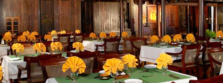 Restaurant at Kumarakom Lake Resorts in Kerala