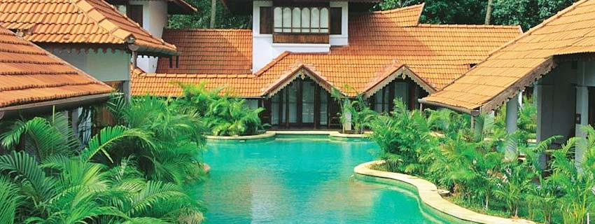 Pool View of Kumarakom Lake Resorts in Kerala