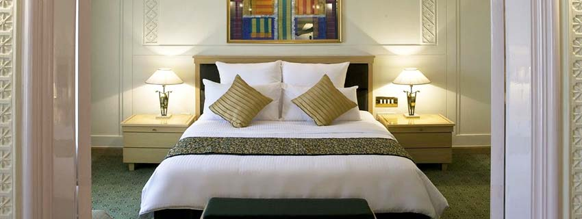 Bedroom at Le Meridian, Pune