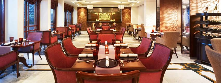Dining at The Gateway Hotel, Agra