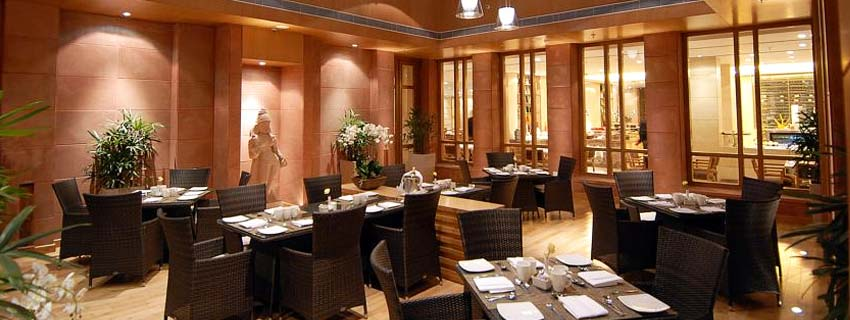 Restaurant at Jaypee Palace Hotel and Convention Centre in Agra