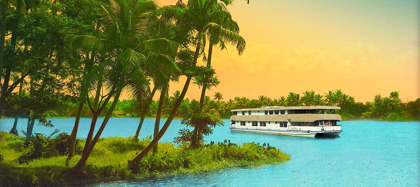 Vrinda Luxury Backwater Cruise in Kerala