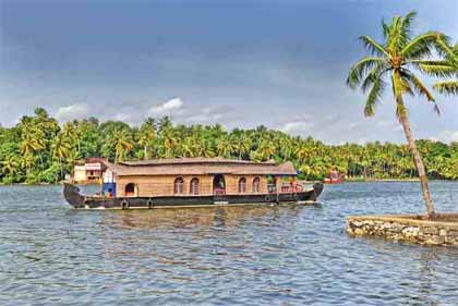 Kerala Beaches and Backwater Tour